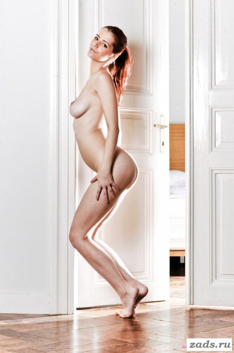 Голые сексуальные красотки фото