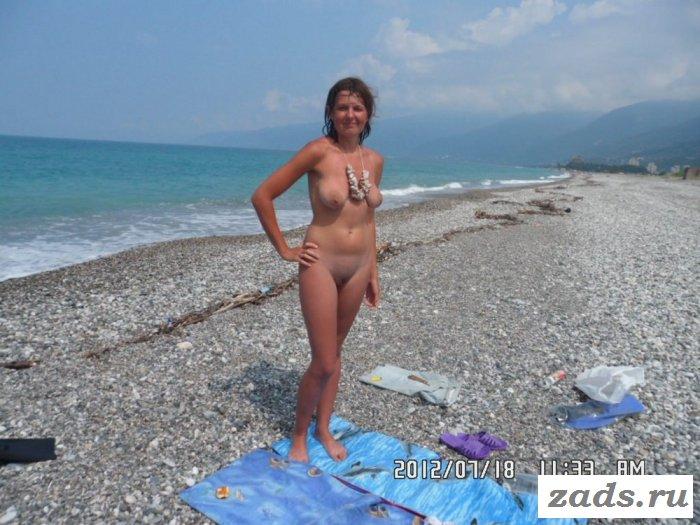 Добро пожаловать на пляж с голыми телками