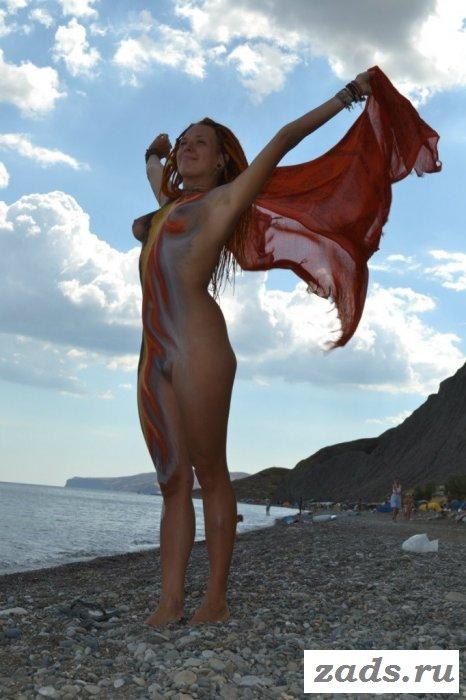 Пляж с раздетыми девками и своим кодексом