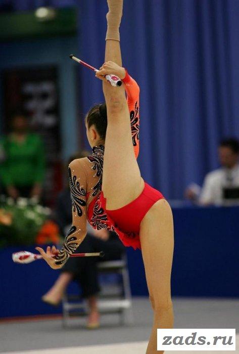 Эротические засветы спортсменок на выступлении (10 фото)