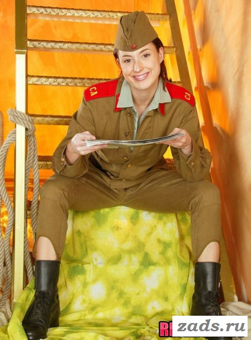 Раздетые девушки в сексуальной униформе