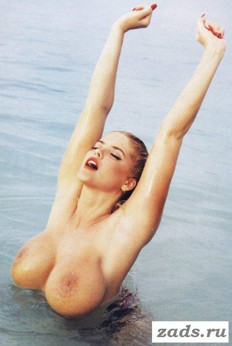 Груди знаменитости Anna Nicole Smith