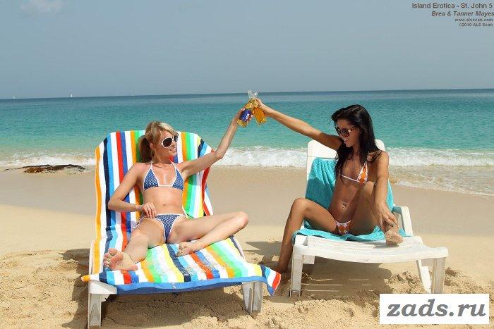 Похотливые телочки отдыхают на пляже
