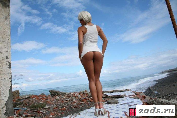 Божественная эротика с головокружительной блондинкой