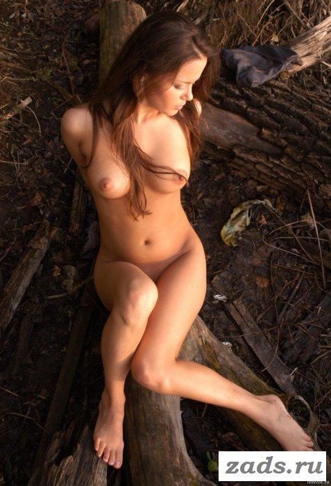 Не природе засветила искусственную грудь