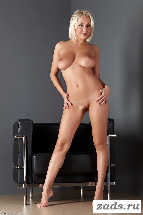 Нежная вагина красивой блондинки