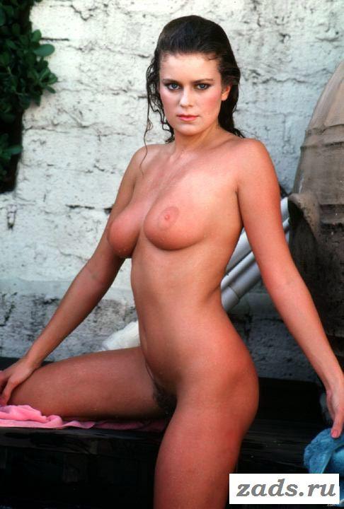 Раздетые титьки модели Carina Persson (картинки)
