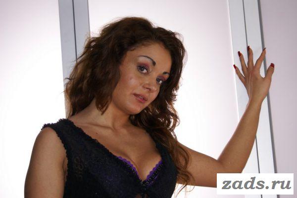 Голая португальская девушка Monica Doce (фото)